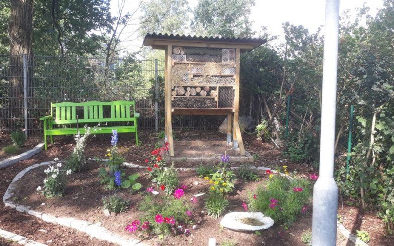 Wulfener Kleingärtnerverein und Kita Wischenstück richten Bienenhotel ein